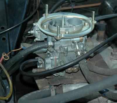 ДААЗ 4178-1107010-40 под капотом Волги.  Фото 1.